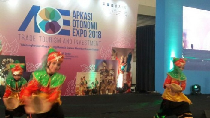Sanggar Pitunggua Agam hoyak Pentas Seni Apkasi Otonomi Expo tahun 2018, di ICE BSD City Tanggerang, Sabtu (7/7/2018).