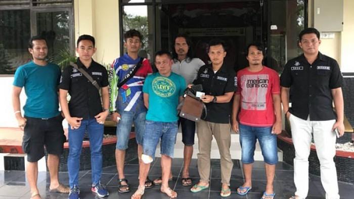 Jauhari (41) warga Lingkungan III  RT 006 Kelurahan Mangun Jaya ,Kecamatan Kayu Agung, Kabupaten Ogan Komering Ilir, Provinsi Sumatera Selatan, terpaksa didor petugas karena melawan ketika hendak ditangkap.