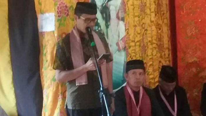 Gubenur Sumbar Irwan Prayitno bersama Bupati Syahiran dalam acara peringatan 11 tahun penobatan Tuanku Bosa XIV di Talu, Jumat lalu (20/7/2018). (st junir)