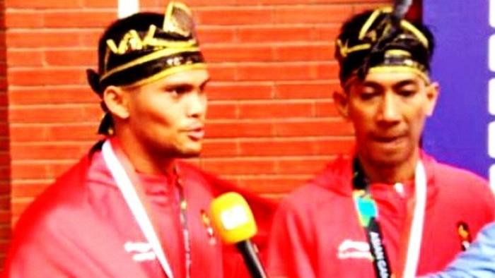 Pasangan Pencak Silat Indonesia, Hendy dan Yolla Primadona Jumpil, putra Agam, saat tampil di Sea Games 2017 di KLCC Hall 2, Kuala Lumpur, Malaysia, Kamis (23/8/2017) Hendy dan Prima meraih 554 poin dan berhasil meraih medali perak.