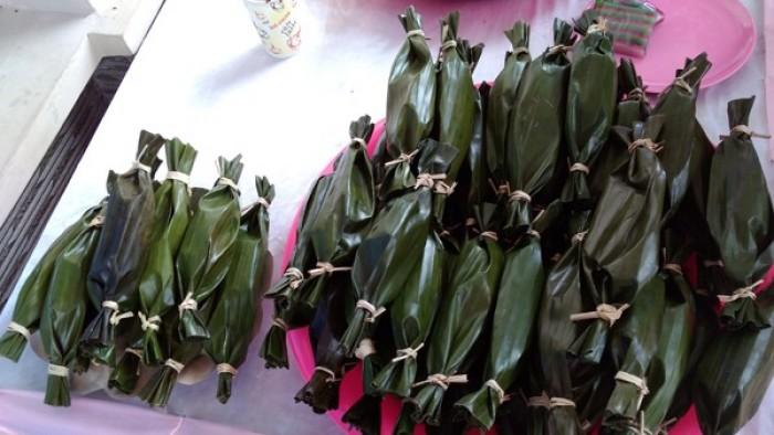Makanan khas putu kambang disuguhkan untuk manjakan lidah peserta Munas Forum BUM Desa.