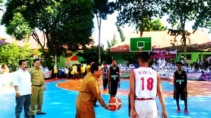 SMA Negeri 2 Lubuk Basung, Kabupaten Agam, menggelar Turnamen Terbuka Basket Ball IX Tingkat Sumatera Barat (Sumbar), di lapangan basket sekolah tersebut