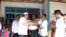 Pemkab Pasbar Serahkan Bantuan kepada Korban Banjir