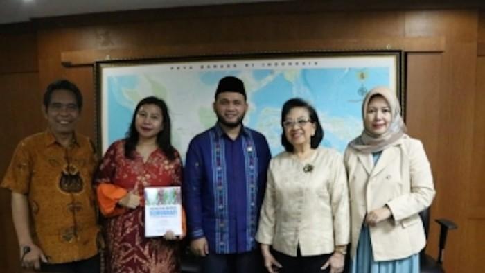 Ketua Komite III DPD RI Dedi Iskandar Batubara saat RDPU membahas 'Permasalahan Kesejahteraan Lanjut Usia' di Gedung DPD RI, Jakarta, Selasa (9/10/2018).