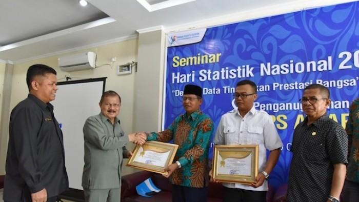 BPS Awards diserahkan Bupati Padang Pariaman dan diterima langsung pimpinan masing-masing perusahaan.
