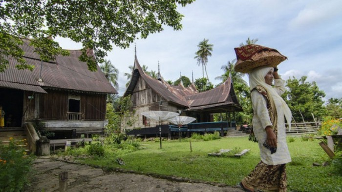Kampung Tadisi Minangkabau di Padang Ranah lokasi diadakannya Alek Nagari Sijunjuang (Foto Internet)